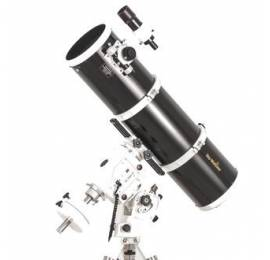 Télescope Sky-Watcher 200/1000 sur AZ-EQ6 Pro Go-To
