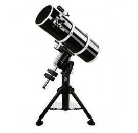 Télescope Sky-Watcher 200/800 Pro Carbone sur NEQ6 Pro Go-To