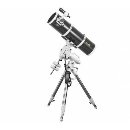 Télescope SkyWatcher 200/1000 sur EQ6-R