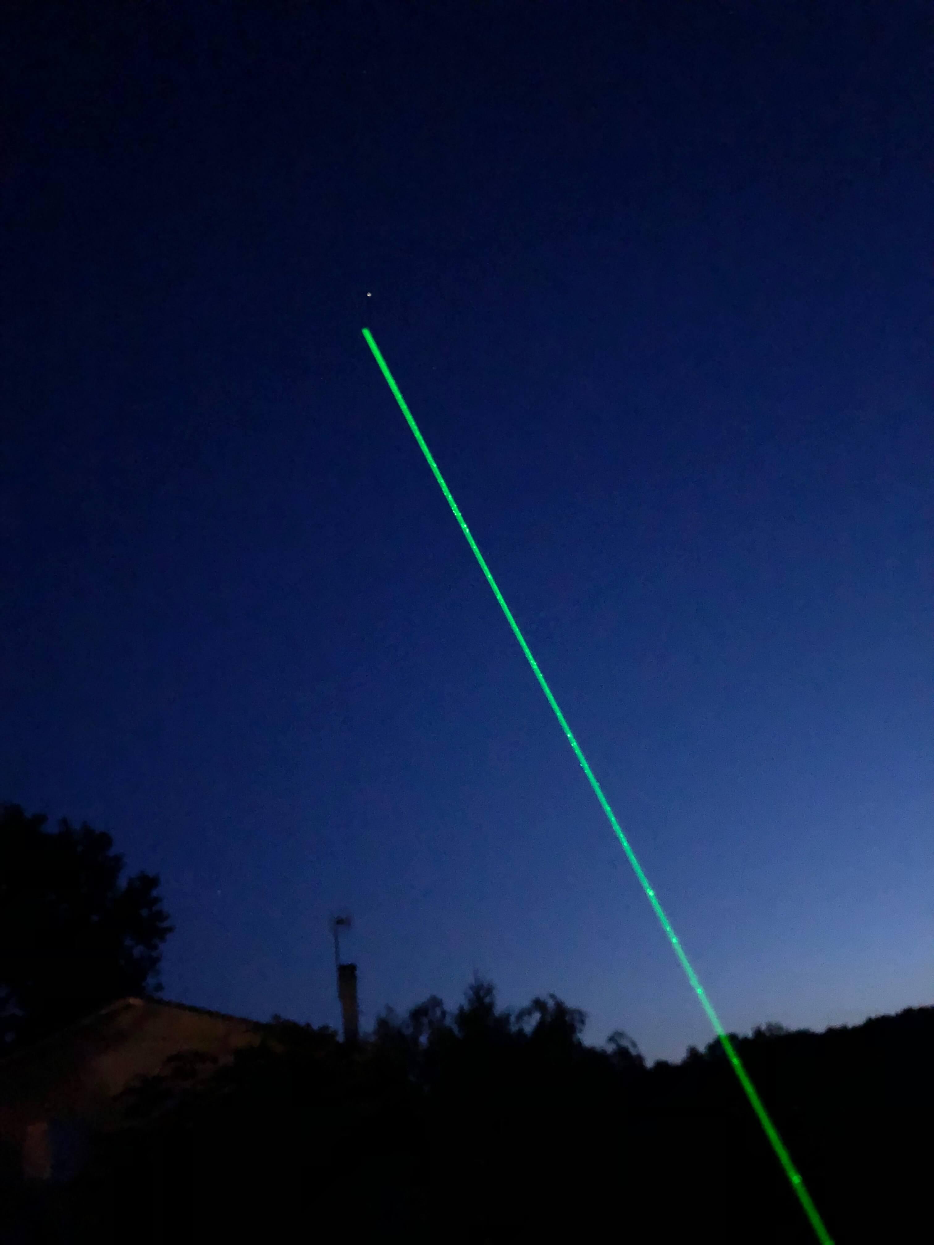 Pointeur laser astronomie 300mW - Loisirs Plaisirs
